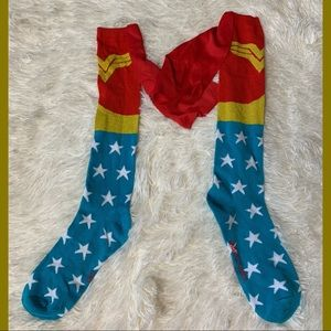 NWOT Wonder Woman Cape Socks